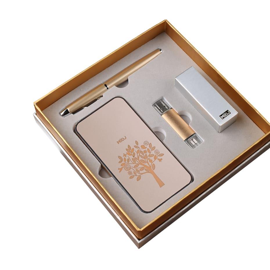 заказать оптом подарочный набор с логотипом компании екатеринбург