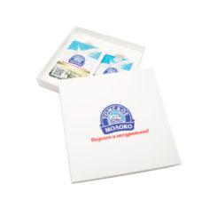 Подарочный набор с логотипом компании набор флешка-визитка внешний аккумулятор на заказ Томское молоко оптом Флеш Империя